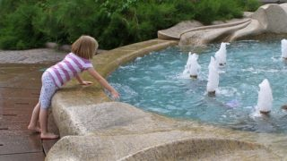 赤ちゃんや子供が水深10cmでも溺れる理由
