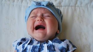 赤ちゃん子供に熱さまし用冷却シートはNG